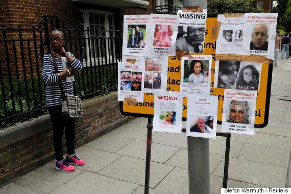 런던 아파트 화재 참사 사망자가 30명을