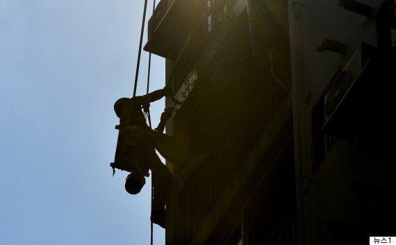 '시끄럽다'며 외벽 작업자의 밧줄을 끊어 살해한