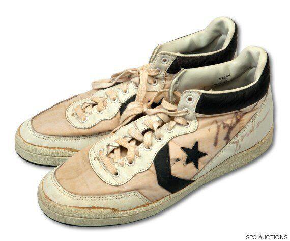 마이클 조던이 아마추어 때 신던 신발이 2억원에