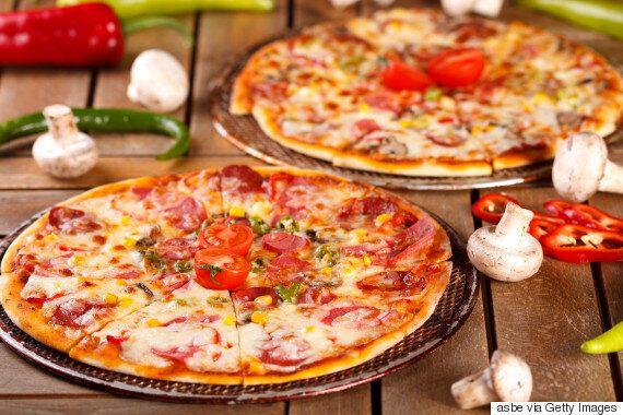아마존 CEO 제프 베조스가 '피자 두 판' 원칙을 사내회의 때 고집하는