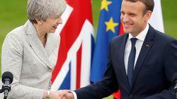 마크롱이 메이를 만나 '유럽의 문은 아직 열려있다'고