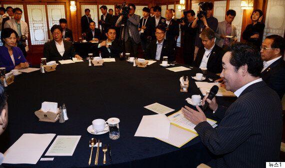 문 정부의 첫 당정청 회의가 박·MB와 달랐던 점