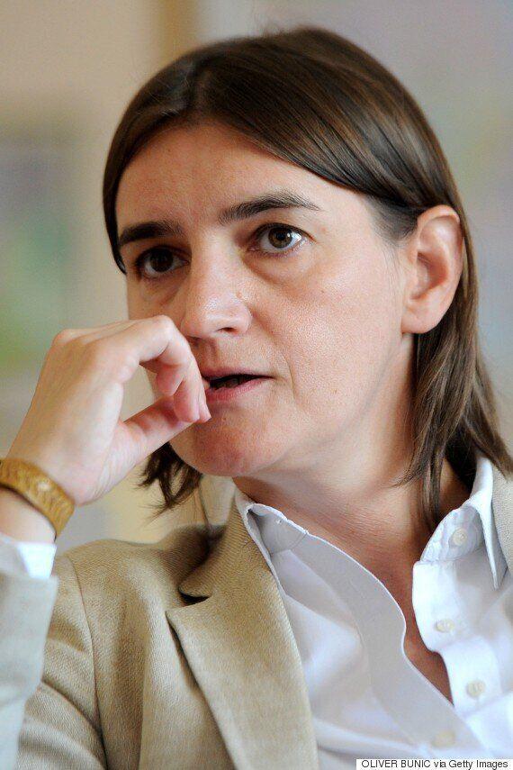 세르비아 대통령이 레즈비언 정치인을 총리로