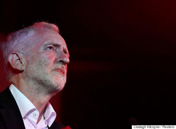 英 집권 보수당, 조기 총선에서 '과반 의석 붕괴'