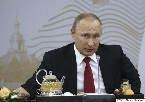 동성애자 옆에서 샤워할 수 있겠냐는 질문에 대한 푸틴의 어처구니없는