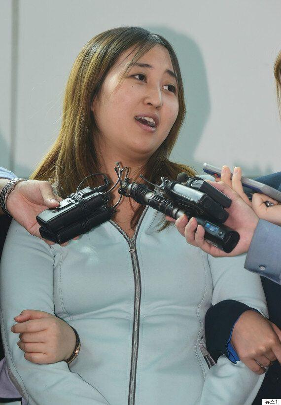 한국에 도착한 정유라는 최순실·박근혜 국정농단에 대해 '아는 게 하나도 없고 억울하다'고