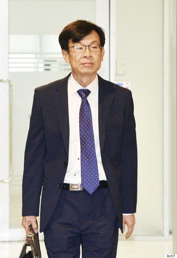 김상조 후보자 부인, 고교 영어강사 '부정 취업' 의혹이