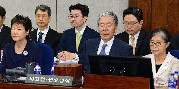 재판부가 '박근혜·최순실 뇌물 사건'을 병합 심리하기로