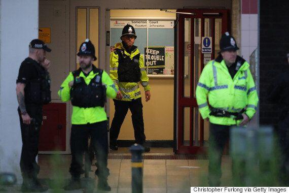 경찰은 영국 맨체스터 테러 용의자의 공범을 쫓고
