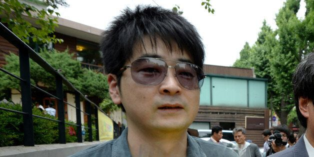 탁현민이 자신의 2007년 책의 '여성비하' 논란에 대해