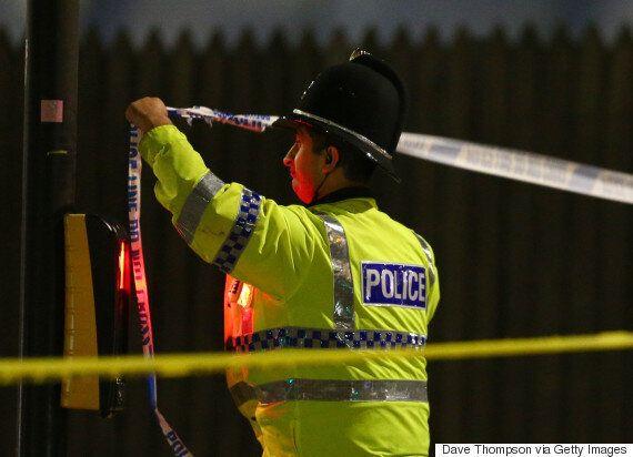 경찰은 맨체스터 공연장 폭발을