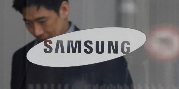 The logo of Samsung Electronics is seen at its office in Seoul, South Korea February 28, 2017. REUTERS/Kim
