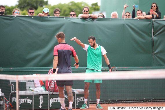 상대선수의 악수를 거절한 이 테니스 선수가 품고 있던