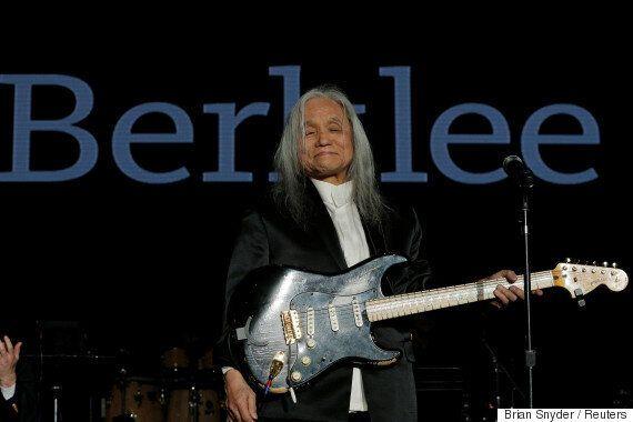 록의 대부 '신중현'이 미국 버클리음대에서 명예박사 학위를
