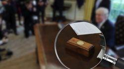 트럼프의 책상 위에 놓인 버튼의 정체는