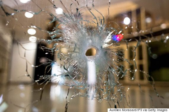 파리 총기 테러범은 '12년 이상' 복역한