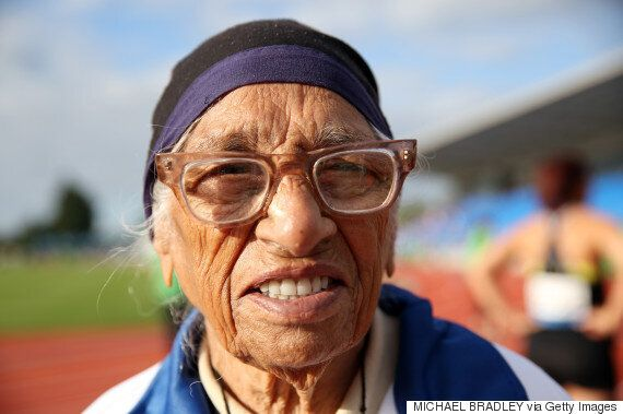 101살 할머니가 육상 100m 경기서 금메달을 딴 최고령 선수가
