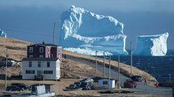 거대한 빙하가 한 캐나다 마을에 쉬려고