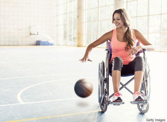 장애인이라는 이유 하나로 날 용감하다고 하지