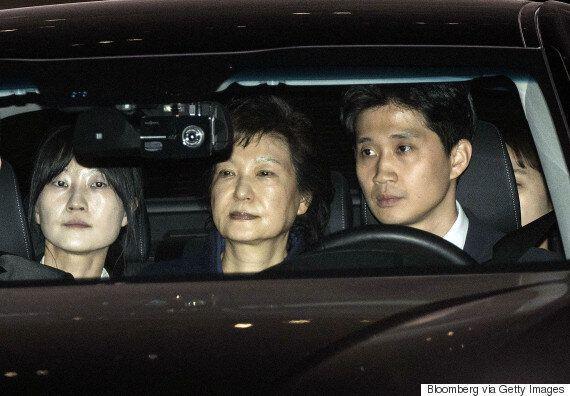 검찰이 박근혜를 소환하는 대신 구치소로 찾아가 조사하기로 한