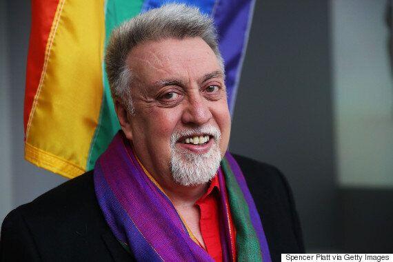 '무지개 깃발' 디자인한 길버트 베이커가 향년 65세로 세상을