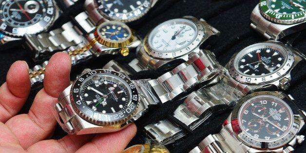 북한이 두바이에서 '짝퉁' 시계를 팔고 있는