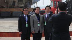 세월호 배경으로 '인증샷' 찍은 시의원(사진