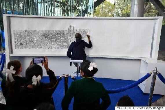 자폐증을 가진 아티스트가 기억에만 의존해 도시를