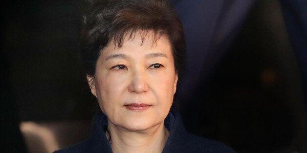 박근혜 대통령은 최순실, 김기춘, 이재용, 조윤선과 한솥밥을