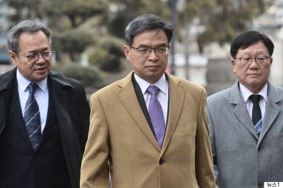 박근혜의 변호인이 '극한직업'이 되어버린 결정적인