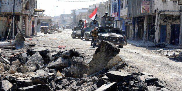 MOSUL, IRAQ - MARCH 26: Iraqi Army members take part in the operation to retake Mosul from Daesh terrorists...