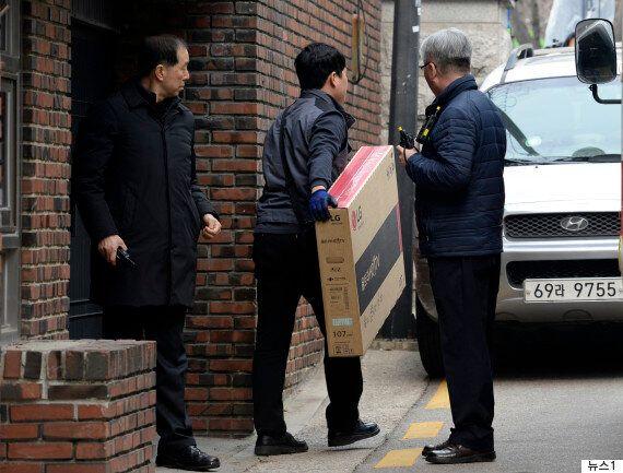 네티즌들이 추측한 박근혜가 삼성동 사저에 LG 제품을 들인