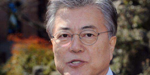 문재인이 뉴욕타임스와 인터뷰를 했고 한국당·바른정당이 '안보관'을 문제 삼고