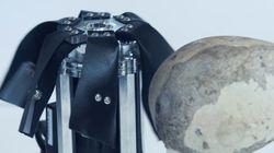 돌(ROCK)로 락(ROCK)을 연주하는 기계가