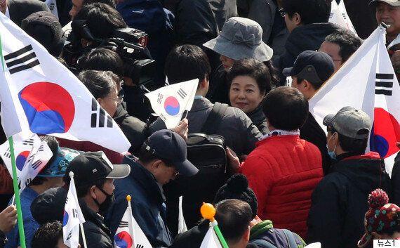 박근령이 박근혜 전 대통령을 옹호하며 '세종대왕'을