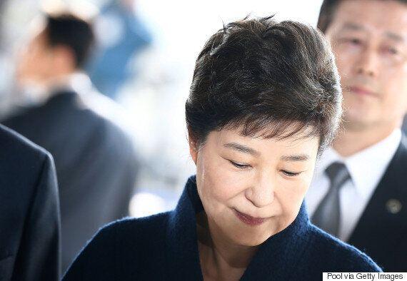 박근혜는 자택에서 출발 전