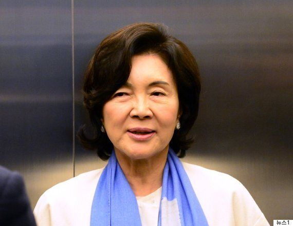 홍라희는 한국 미술의 구세주인가