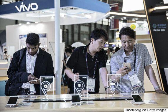 올해 삼성 스마트폰 세계 점유율은 19%로 떨어질 전망이다. 역대