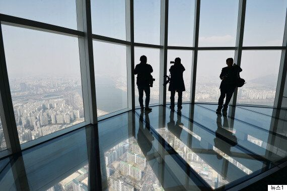 국내 1위, 세계 3위 높이의 제2롯데월드타워 전망대 사진들이