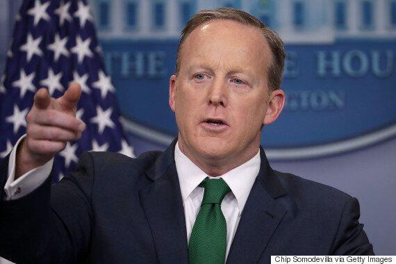 도널드 트럼프는 '오바마가 나를 도청했다'는 허위 주장을