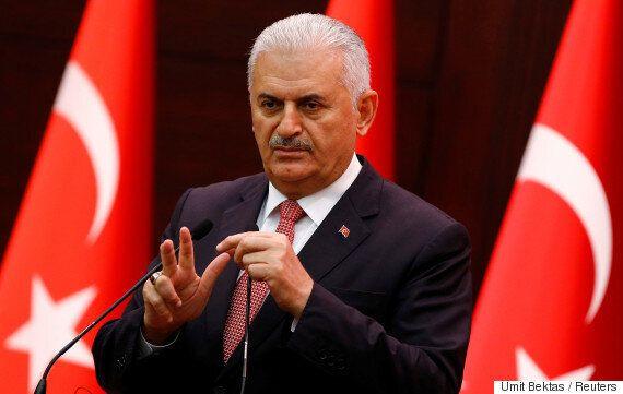 터키 에르도안 대통령을 인터뷰하러 갔던 기자들에게 벌어진 기묘한
