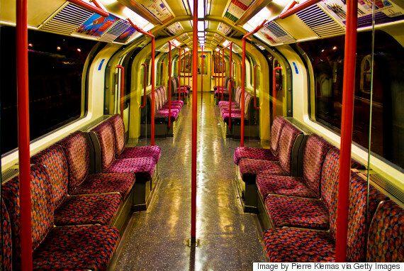 세계 최초 지하철은 법무관의