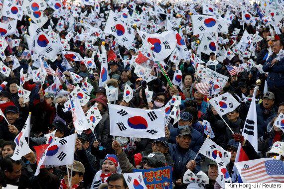 박근혜 탄핵 직후, '친박집회'가 과격시위로 변해가고