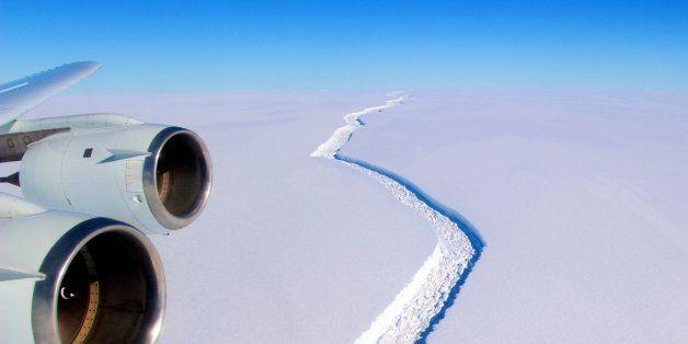 충청북도 크기의 빙산이 남극에서 떨어져 나가기