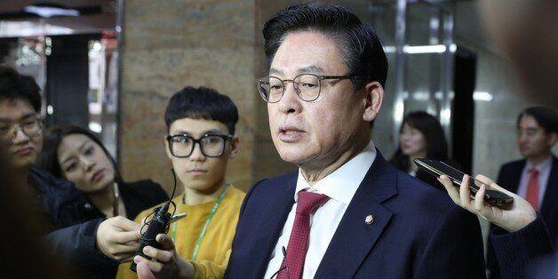 청와대 한 마디에 '박근혜 자진사퇴론'을 접은 자유한국당이 밝힌