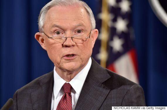 '러시아 내통' 의혹 미국 법무장관 제프 세션스가 수사에서 손을
