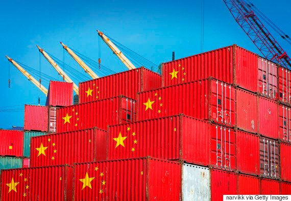 중국의 롯데마트 매장 절반 이상이 영업 정지 처분을