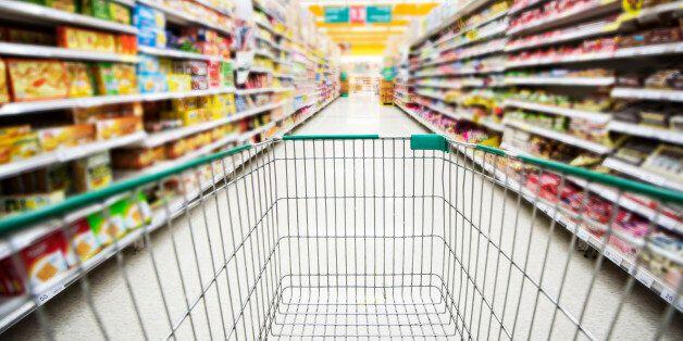 대형마트 및 쇼핑몰 주말 영업을 금지한다는 공약에