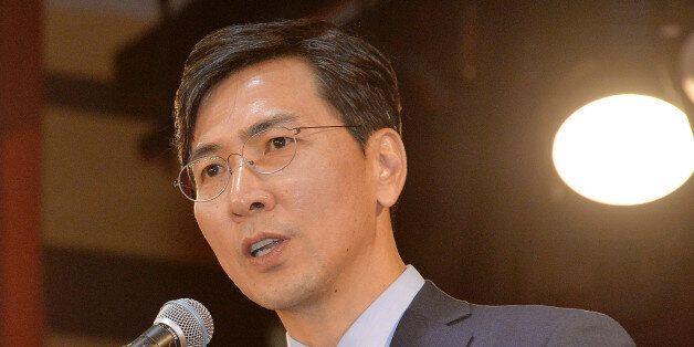 안희정이 자유한국당과 민주당의 강령집에 차이가 없다는 결론을