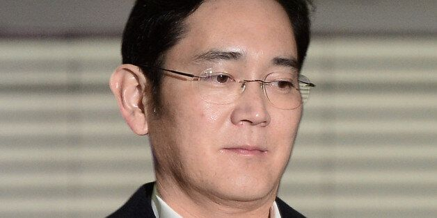 Samsung Group chief, Jay Y. Lee arrives at the office of the independent counsel team in Seoul, South...